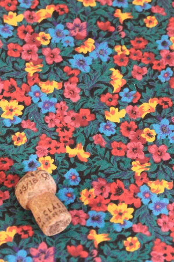ヴィンテージ起毛コットンファブリック小花柄 W146×50cm gf-586
