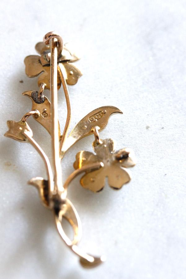 ヴィクトリアン9金にシードパールお花ブローチ 1890年代 ga-711