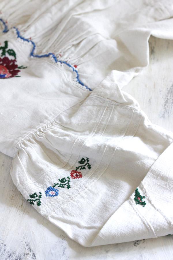 アンティークハンガリー刺繍リネンウエア子供用 1930−50年代頃 gd-167
