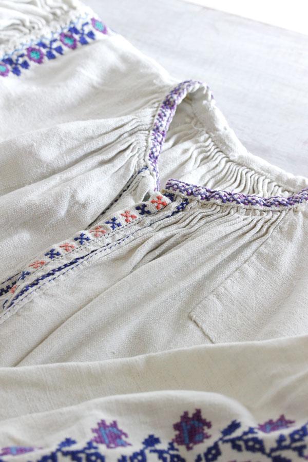 アンティークハンガリー刺繍リネンウエアジュニア用 1930−50年代頃 gd-170