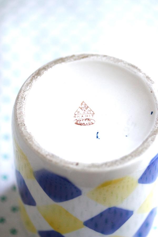 アンティークダイヤのステンシルプリントのグラニトのマグカップ1930年代  gc-715
