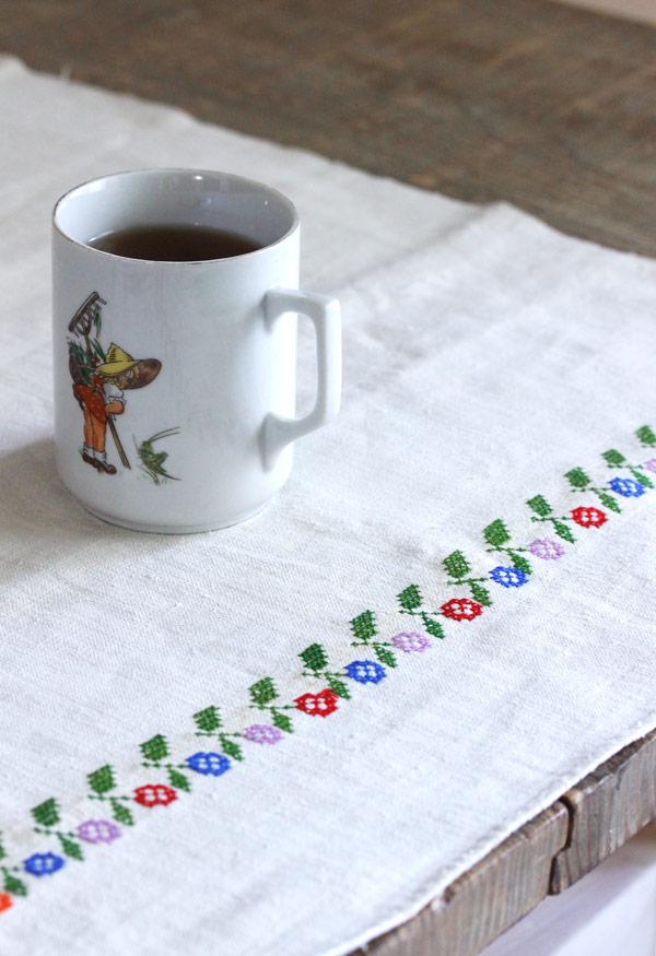 アンティークハンガリークロスステッチ刺繍リネン 49×99cm ge-738