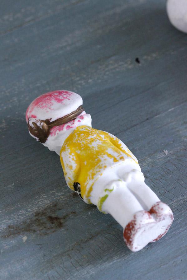 アンティークビスクドール ベルギーの女の子10.3cm gt-741