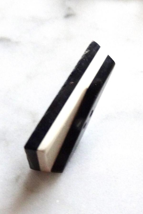 アールデコモノトーンガラリットボタン2.7×1.3×0.6cm gs-1212