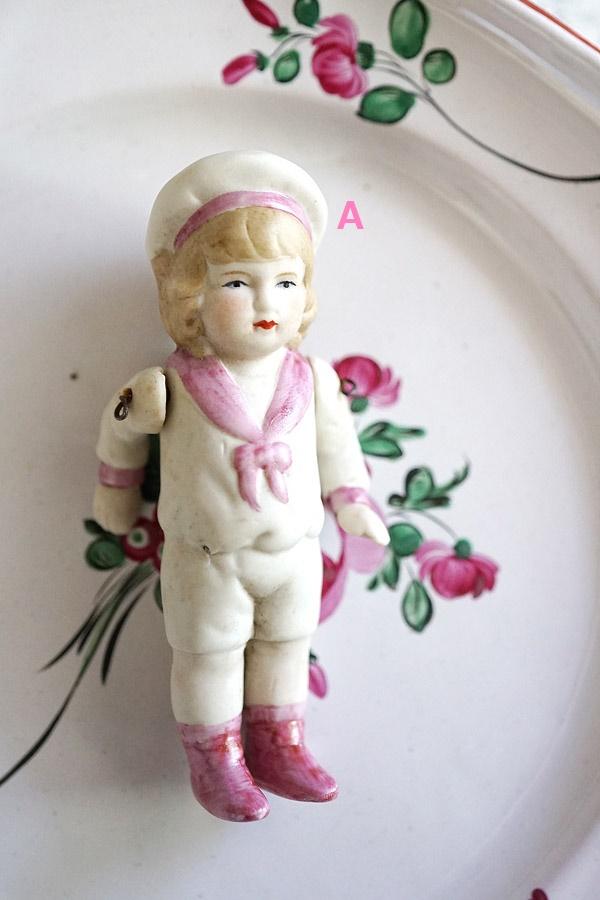 アンティークビスクドールピンクのセーラーカラーの子 10.9cm gt-776