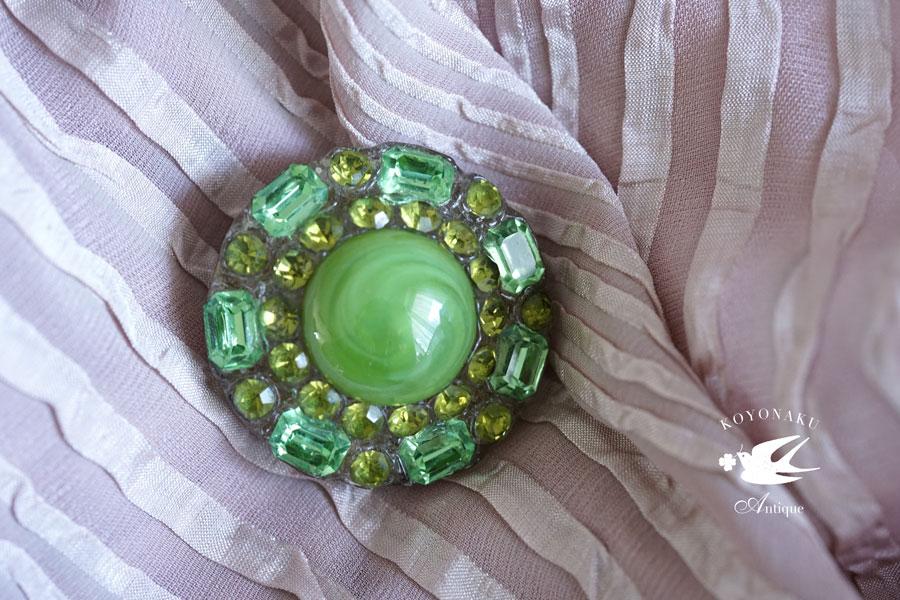 アンティークグリーンのガラスブローチW3.8cm 1930年代頃 ga-745