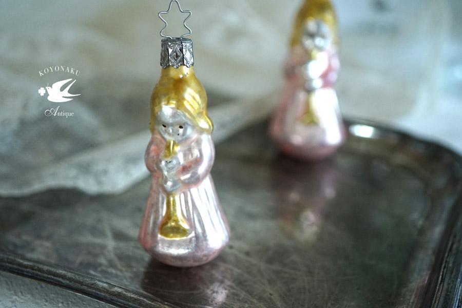 インゲガラスの手吹きクリスマスオーナメント 音楽を奏でる天使 8.9cm gx-323
