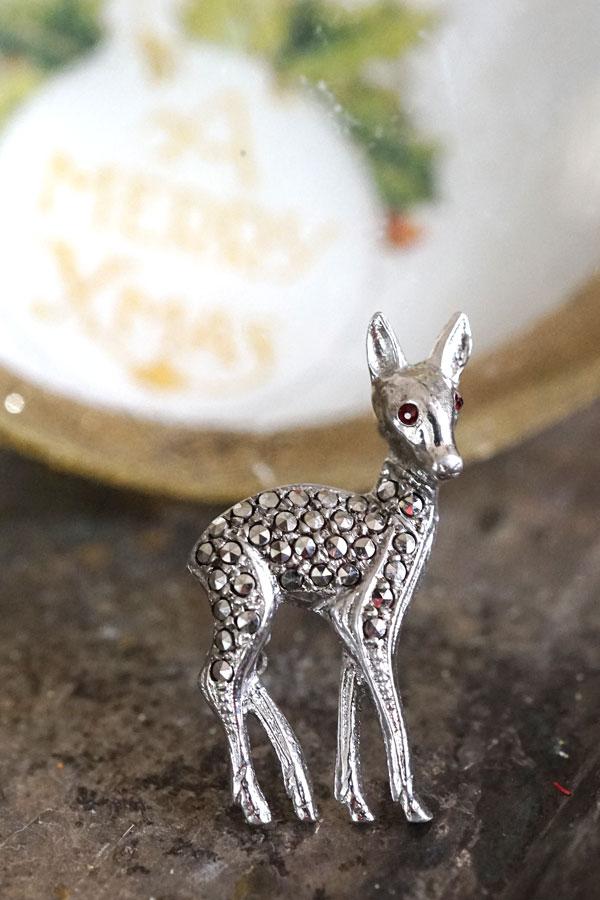 ヴィンテージのシルバーにマーカサイトの鹿のブローチH3cm ga-754
