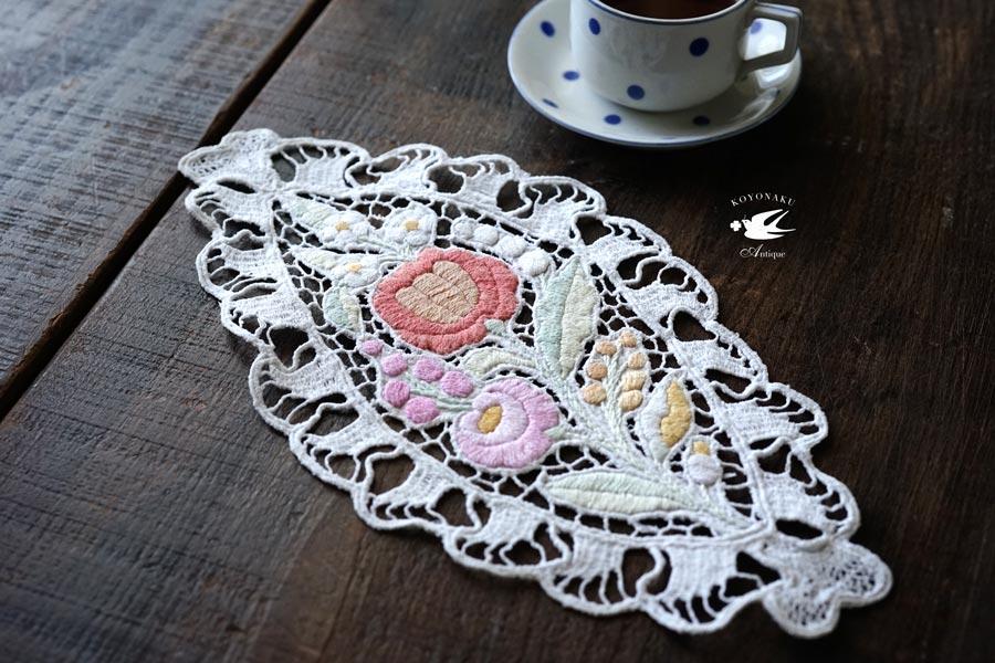ハンガリーカロチャ リシュリュー刺繍のマット16×13.5cm ge-767